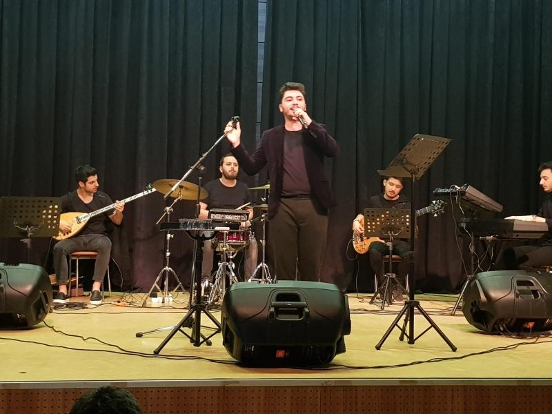 Aziz Kiraz Ümraniyelilere Konser Verdi