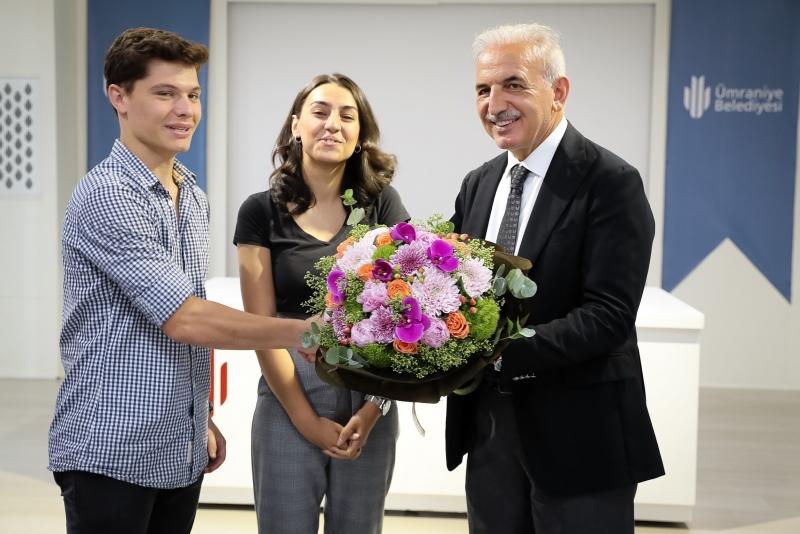 Başkan İsmet Yıldırım Üniversiteyi Kazanan Öğrencilerle Buluştu