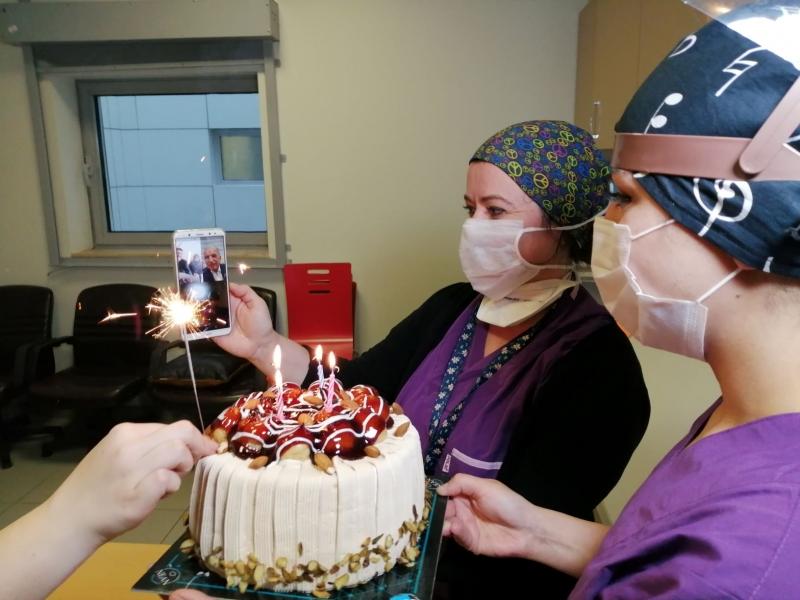 Koronavirüs Savaşçısı Hemşireye Doğum Günü Sürprizi