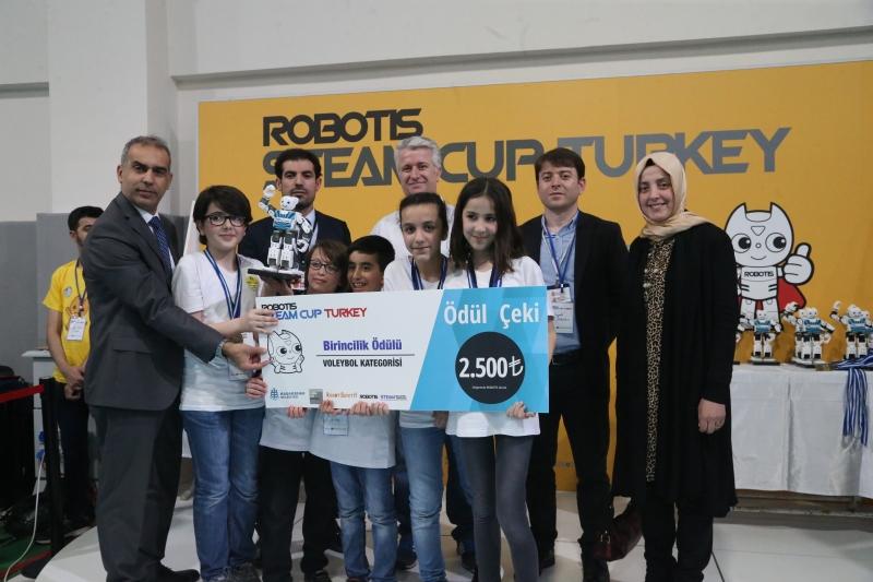 Uluslararası Robotik Yarışmasında Ümraniyeli Bilge Çocuklar Birinci Oldu