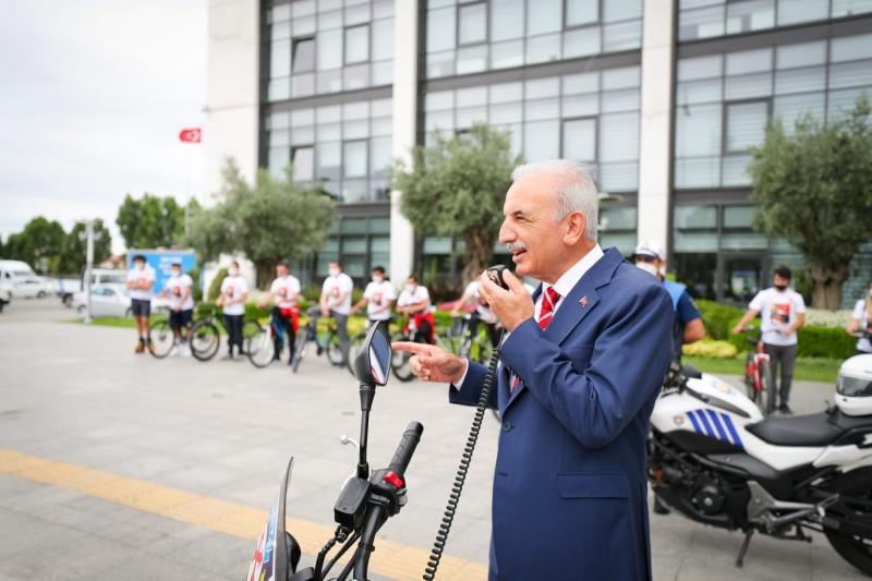 Ümraniyeli Sporcular 15 Temmuz'da Bisiklet Turu Düzenledi