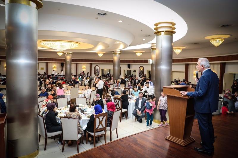 Başkan İsmet Yıldırım Öksüz ve Yetim Çocuklarla İftar Yaptı