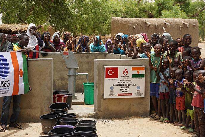 Tuzla Belediyesi Gönül Elleri Çarşısı, Yardımda Kıtaları Aştı