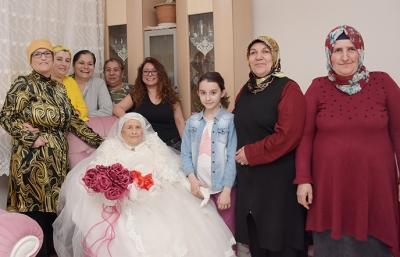 75 Yıllık Gelinlik Hayalini Tuzla Belediyesi İle Gerçekleştirdi