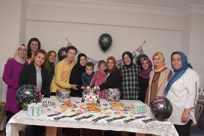 Askıda Pasta Projesi Miniklerin Doğum Gününü Kutluyor