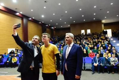 Başkan Ahmet Cin liselilerle buluşuyor