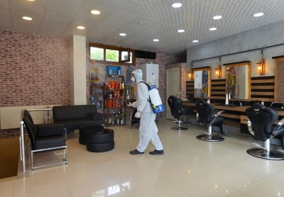 Belediye Ekiplerimiz Berber ve Kuaför Salonlarını Dezenfekte Etti