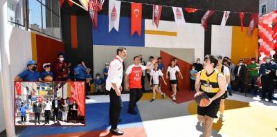 Beyoğlu'nda Sokak Basketbolu Sahası Açıldı
