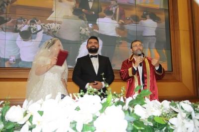 Bisikletli Çiftin Nikahını Başkan Ahmet Cin Kıydı