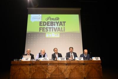 Edebiyat Festivali Devam Ediyor