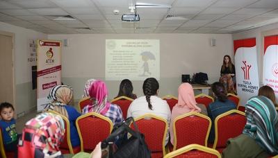 'Evlat Edinme ve Koruyucu Aile Semineri' Düzenliyor
