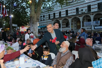 Paşabahçe Meydan İftarı'nda Anneler Günü Kutlandı