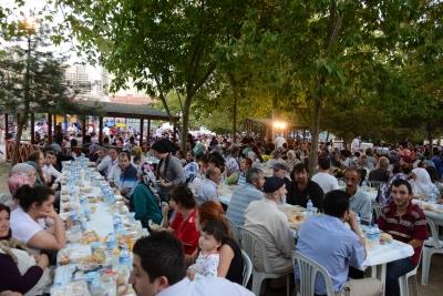 Ramazan Bereketi Sokak İftarlarında