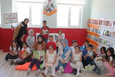 Sağlık Kulübü Öğrencilerinden Köy Okullarına Kütüphane Projesi