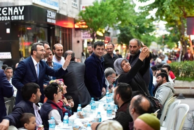 Sokaklar Ramazan`la Bereketlendi
