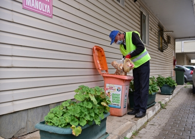 Tuzla'da Bayat Ekmekler Gıda Kolisine Dönüşüyor